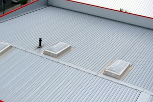 Bild1: Überblick über das Dach der Halle