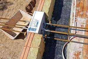 Deckenrandschalen mit einer mineralischen Wärmedämmung mindern Wärmebrücken und verhindern Rissbildungen in der Putzfassade, Isokörbe sorgen für die thermische Trennung der auskragenden Bauteile