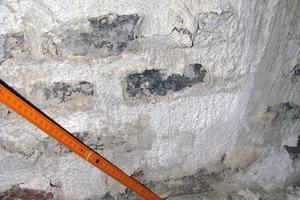 Bild1: Ablösung der Schlämme vom Untergrund
