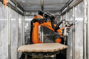 Fertigung mit einer 7-achsigen Roboteranlage: Die gesamte Vorfertigungszeit des Schalentragwerks betrug lediglich drei Wochen