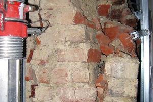Bild5: Bruchbild eines Mauerwerkspfeilers im Erdgeschoss