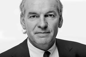 """<div class=""""fliesstext_vita""""><strong>HPP Architekten GmbH<br />Joachim H. Faust</strong></div><div class=""""fliesstext_vita""""></div><div class=""""fliesstext_vita"""">Das Büro wurde vor mehr als 80 Jahre durch Helmut Hentrich gegründet. Als Muttergesellschaft der HPP Gruppe arbeitet die HPP Architekten GmbH mit ca. 400 Mitarbeitern in allen Bereichen der Stadtplanung, Architektur und Innenarchitektur. Schwerpunkte der Tätigkeit liegen derzeit in den Bereichen Büro- und Verwaltung, Einzelhandel, Sport, Wohnungsbau, Gesundheit, Hotel und Freizeit sowie Verkehr. Neben Düsseldorf hat das Büro Standorte in Berlin, Frankfurt, Hamburg, Köln, Leipzig, München, Stuttgart, Istanbul und Shanghai. </div>"""