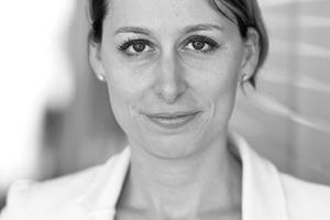 """<div class=""""autor_linie""""></div><div class=""""dachzeile"""">Autorin</div><div class=""""autor_linie""""></div><div class=""""fliesstext_vita"""">Dr. Christine Lemaitre ist seit 2009 bei der Deutschen Gesellschaft für Nachhaltiges Bauen – DGNB e.V. beschäftigt, zunächst als Leiterin der Abteilung System, seit 2010 als Geschäftsführender Vorstand. Zuvor war die studierte Bauingenieurin am Institut für Leichtbau Entwerfen und Konstruieren der Universität Stuttgart und bei der Bilfinger Berger AG beschäftigt. Sie ist Mitglied im Board of Directors des World Green Building Council und hat seit 2015 den Vorsitz für das Europe Regional Network.</div><div class=""""autor_linie""""></div><div class=""""fliesstext_vita"""">Informationen unter: <a href=""""http://www.dgnb.de"""" target=""""_blank"""">www.dgnb.de</a></div>"""