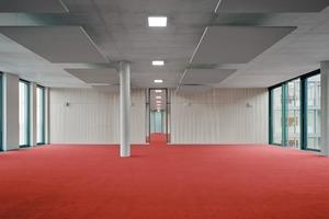 ... können über das Einziehen von Trennwänden für jede Gruppengröße – bis hin zu Einzelbüros – unterteilt werden.