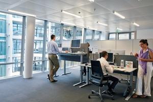 Durch die schräg gestellten Fassaden fällt mehr Tageslicht in die Büros als bei senkrechter Anordung