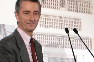Vittorio Magnago Lampugnani auf der Pressekonferenz zum Wettbewerbsergebnis Berliner Schloss