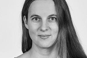 <p>Priedemann Fassadenberatung<br />Stephanie Heese</p><p><br />Stephanie Heese studierte von 1993−2000 Architektur an der TU Berlin, wo sie in verschiedenen Wettbewerben den 1. Preis gewann. Über Stationen in verschiedenen Architekturbüros, darunter von 2003 bis 2013 die Leitung des Qualitätsmanagements bei Sauerbruch Hutton, kam sie 2013 als Projektleiterin zu Priedemann Fassadenberatung. Seit 2016 ist sie dort im Business Development und Senior Project Manager. </p>