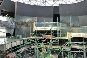 Im viergeschossigen Ausstellungsraum entsteht das 360-Grad-Panorama mit Sternenhimmel
