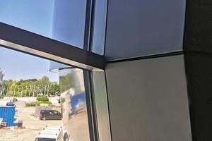 Geometrieschluss mit der Fassade: äußere Kanten und Fugen werden innen übernommen