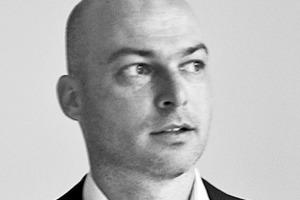 <p><strong>kaestle&amp;ocker</strong></p><p><strong>Marcus Kaestle</strong></p><p></p><p>1990–1992 Lehre als Hochbauzeichner, 1993–1999 Studium an der Universität Stuttgart und der Staatlichen Akademie der Bildenden Künste Stuttgart, 1997–1999 Mitarbeit im Büro Mahler Günster Fuchs Stuttgart, 2000 Diplom Universität Stuttgart, seit 2002 Freier Architekt und Gründung des eigenen Büros bis 2013 mit den Partnern Andreas Ocker und Michel Roeder, seit 2014 mit dem Partner Andreas Ocker, 2002–2008 Lehraufträge, 2009 Berufung in den BDA, seit 2010 Werkvorträge, Gastkritiken und Preisrichtertätigkeit</p>