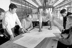 """<div class=""""freitext""""><span class=""""kastentext_hervorgehoben"""">J. Brinkmann GmbH Bauunternehmung </span></div><div class=""""freitext""""></div><div class=""""freitext"""">Das Unternehmen, das im Hotel Severin´s den gesamten Trockenbau erstellte, wurde 1968 in Essen gegründet. Die heutigen Eigentümer und Geschäftsführer sind die Brüder Peter und Klaus Brinkmann, beide Dipl.-Ing. Arch. Vom Unternehmenssitz in Essen/Oberhausen werden die verschiedenen bundesweiten Projekte gesteuert. Das Unternehmen hat 28 Mitarbeiter.</div>"""