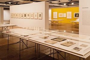 Blick in die Berliner Bartning-Ausstellung in der Akademie der Künste. Werner Durth ist Leiter des Archivs Otto Bartning. Eine Ausstellung zum Leben und Werk, hier präsentiert in Berlin, ist vom 18.November2017 bis zum 18.März 2018 in Darmstadt zu sehen