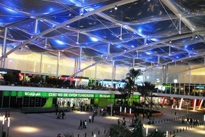 """Dolce Vita Shopping Complex"" mit ETFE Membrandachelementen"