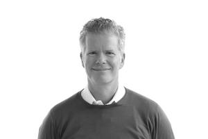 <p><strong>KRESINGS</strong></p><p></p><p>ist ein Kreativbüro, das individuelle Lösungen für architektonisch nachhaltige Adressen entwickelt. An den Standorten Münster und Düsseldorf sind 45 Mitar-beiter unter der Leitung von (v.l.) Rainer Kresing, Kilian Kresing und Christian Kawe beschäftigt. Sie vereint der Anspruch, Erfahrung mit kreativer Leichtigkeit zu verbinden. KRESINGS haben sich besonders im Bildungs-, Labor-, Wohnungs- und Verwaltungsbau positioniert.</p>