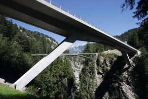 Mithilfe von Allplan Engineering Civil realisiert: Versamertobelbrücke, Schweiz – Ingenieure: dsp Ingenieure &amp; Planer AG, Greifensee/CH<br />