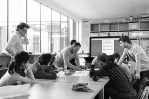 <p><strong>VS-A Group</strong></p><p></p><p>VS-A, 1989 gegründet, hat sich auf die Entwicklung von energieeffizienten und funktionellen Fassaden und Gebäudehüllen spezialisiert hat und mit Büros wie OMA, Atelier d'Architecture Brenac &amp; Gonzalez &amp; Associés, Henning Larsen Architects, Steven Holl Architects, Rudy Ricciotti oder Atelier SerajiArchitectes &amp; Associés zusammenarbeitet.</p>