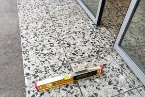 Bild 4: Gefälle des Bodens im Eingangsbereich