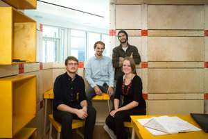 "Timo Stürmer, Max Salzberger, André Luft, Klara Keller im ""Randomize Box/Co-Working Space"""