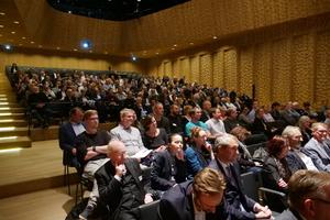 Im kleinen Saal der Elbphilharmonie nahmen 350 Architekten und Ingenieure platz