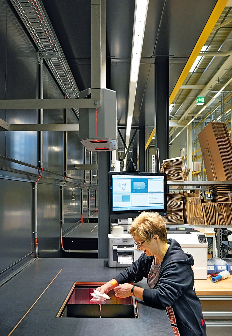 Licht Für Industrie Und Gewerbebauten Planen Deutsche Bauzeitschrift