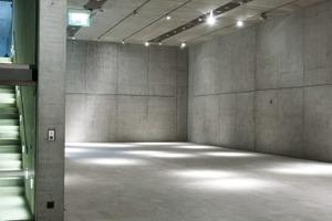 Bild 7: Schalelementstöße gliedern die Sichtbetonflächen im Staatlichen Museum Ägyptischer Kunst (SMÄK) und der Hochschule für Fernsehen und Film (HFF), München