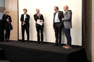 Zwischendiskussion mit (v.l.) Annette Gigon (Gigon Guyer), Carsten Roth, Moderator Ulrich Brinkmann  (Bauwelt), Christoph Mäckler und Christian Brückner (Brückner & Brückner)