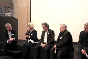 Zwischendiskussion mit (v.l.) Moderator Jasper Cepl, Jórunn Ragnarsdóttir (Büro LRO), Piero (Bruno Fioretti Marquez), Günter Pfeifer und Rolf Mühlethaler