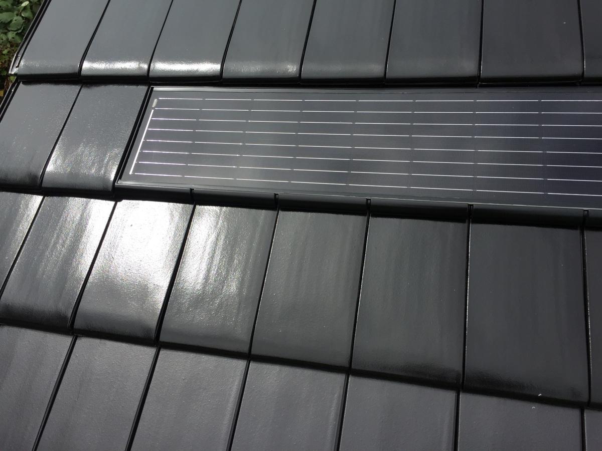 solarziegel ins dach integriert deutsche bauzeitschrift