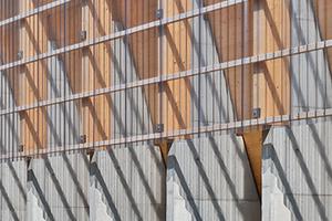 Ausgezeichnet: Salzlagerhalle in Geislingen a.d. Steige. Salz wirkt auf Stahl besonders aggressiv. Die gewählte Konstruktion minimiert daher die Anzahl der Metallverbindungen