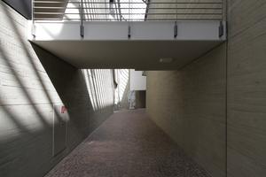 Museumsstraße im Altbau, links gehts zum Auditorium