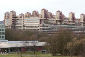 Vor den Toren der Tagungsstadt Aachen: das Klinikum, eine imposante Materialintensivstation