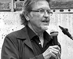 <p><strong>Udo Schindler</strong></p><p><br />Nach Bauhandwerkslehre, Studium der Architektur an der TU München, freier Mitarbeiter in diversen Büros, ist er seit 1983 freiberuflicher Architekt, Stadtplaner und Bausachverständiger, seit 1995 Schindler Architekten und projektbezogene Partnerschaften. </p>