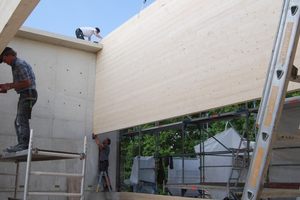 Wandscheiben aus Brettsperrholz und Holztafelbau für die Decken.<br />