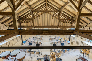 Offener Dachstuhl: Nur wer genau schaut erkennt, dass einzelne Holzteile ausgetauscht wurden.