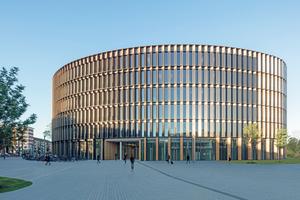 Das neue Rathaus Freiburg mit Bürgerservicezentrum im Erdgeschoss