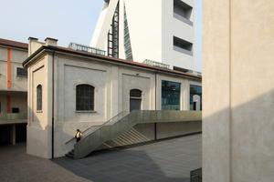 Um Kino und Veranstaltung herumgeschaut: Blick auf Bestand und den aktuell eröffneten Turm