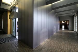 """Im Foyer des """"Goldenen Hauses"""" werden Ausstellungen, Garderoben und das WC erschlossen"""