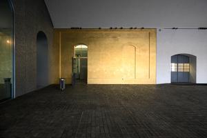 """Blick zurück zum """"Goldenen Haus"""", dessen Vorhandensein sich hier im Fassadenabschnitt in Gold aufdrängt"""