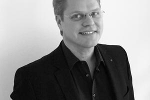 """<p><span class=""""kastentext_hervorgehoben"""">Ingenieurbüro Harald Fuchshuber</span></p><p></p><p><irspacing style=""""letter-spacing: 0em;"""">Harald Fuchshuber, geb. 1970, ist Bauingenieur. Er studierte</irspacing> in München und führt seit 13 Jahren ein Ingenieurbüro in Altötting. Überwiegendes Tätigkeitsfeld ist die <irspacing style=""""letter-spacing: -0.01em;"""">Gebäudeplanung, Ausschreibung und Bauüberwachung </irspacing>vor allem im öffentlichen Sektor mit geförderten Projekten.</p>"""
