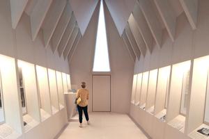 Im Inneren bietet die Kapelle eine kleine Ausstellung, in der der Asplund-Entwurf vorgestellt wird. Bezüge zu den anliegenden zeitgenössischen Entwürfen wollen sich auch nach dem Ausstellungsrundgang hier nicht einstellen