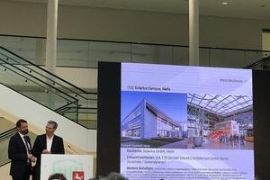 Der Staatspreis ist die höchste Architekturauszeichnung Niedersachsens und wird vom Land in Kooperation mit der Architektenkammer Niedersachsen vergeben. Bauminister Olaf Lies (links) und der Präsident der Architektenkammer Niedersachsen, Robert Marlow, gaben zunächst gemeinsam die Nominierungen bekannt. Hier der Solarlux-Campus in Melle