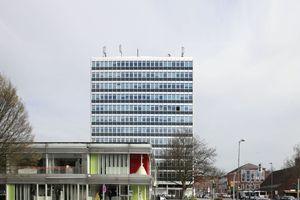 KSP-Bau: Versicherungsgebäude der IDUNA-Versicherung (1960-61), Münster in Westfalen. Sanierte Fassade unter Denkmalschutz
