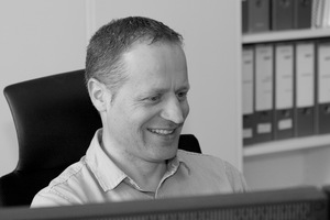 formTL<br />Michael Schäffer studierte Bauingenieurwesen an der FH Konstanz. Anschließend war er von 1999 bis 2004 Projektleiter bei IPL, bevor er als angestellter Gesellschafter bei formTL Projektleiter wurde. Seit 2000 beschäftigen sich seine wichtigen Projekte mit Folienkissen- und Membranfassaden.