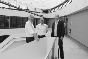 ARCHITEKTENRÜDIGER<br />Hartmut Rüdiger studierte von 1969 bis 1975 an der TU Braunschweig Architektur, bevor er als Assistent am Lehrstuhl für Gebäudelehre bei Prof. Oesterlen lehrte. Seit 1980 ist Rüdiger freischaffender Architekt; Mitglied der Architektenkammer Niedersachsen und von 2003 bis 2018 Vizepräsident dieser Kammer.