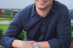 """<p>Tim Westphal, geb. 1974, Architekturstudium an der FH Wismar, danach Arbeit in Architektur- und Ingenieurbüros, Volontariat beim CALLWEY-Verlag München, von 2003 bis 2016 Redakteur bei der Fachzeitschrift DETAIL in München. Langjährige Auseinandersetzung mit dem Thema BIM und den Entwicklungen und Tendenzen auf dem Weg zu digitalen Planungs- und Bauprozessen. Herausgeber zweier BIM-Fachbücher in der Reihe Edition DETAIL / DETAILresearch. Seit 2016 eigene PR- und Kommunikationsagentur sowie Beratungsdienstleistungen. Seit 2017 Partner der ARGE Kommunikation I Eva Herrmann – Bettina Sigmund – Tim Westphal, München. <a href=""""http://www.timwestphal.de"""" target=""""_blank"""">www.timwestphal.de</a></p>"""