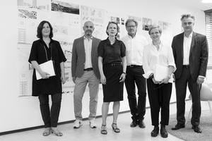 Jury v.l.n.r.: Belinda Rukschcio, Antonino Vultaggio, Prof. Kirsten Schemel, Burkhard Fröhlich, Prof. Barbara Holzer, Boris Schade-Bünsow