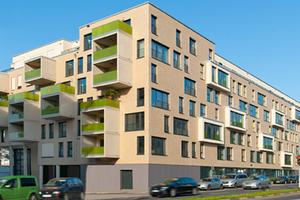Das Projekt 55 Frames bietet hohe stadträumliche Qualität inmitten der Kölner Innenstadt. Die spannungsvoll gegliederte Fassade repräsentiert eindrucksvoll das architektonische Konzept<br /><br />