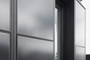 Ein Tausch der opaken Fassadenelemente mit entsprechenden PV-Elementen ist möglich, ohne die Unterkonstruktion verändern zu müssen