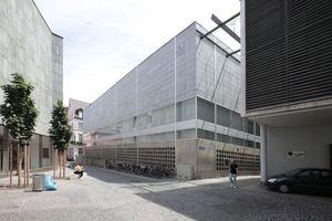 """Rückseite """"Schell-Bau"""", erster Neubau des Gutenberg-Museums von 1962"""