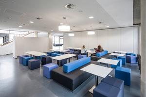 Unterschiedliche Kommunikationsbereiche sorgen für eine angenehme Lern- und Lehratmosphäre